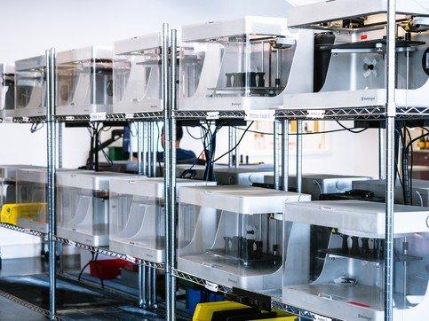 Máy in 3D Markforged sản xuất hàng loạt chi tiết